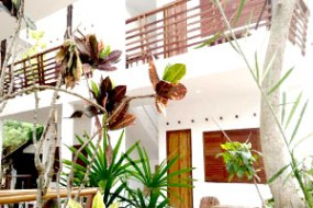accom-spr-db-balcony2